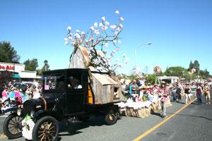 AppleBlossom_parade3