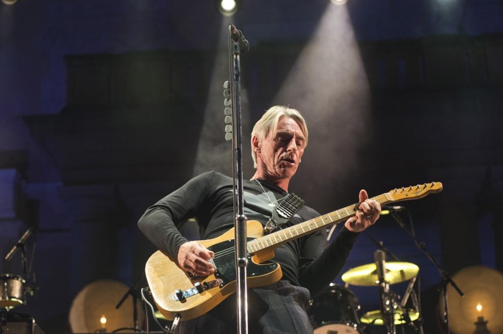 BARCELONA, SPAIN - JULY 02: Paul Weller performs on stage at Jardins Palau De Pedralbes on July 2, 2015 in Barcelona, Spain. (Photo by Jordi Vidal/Redferns via Getty Images)