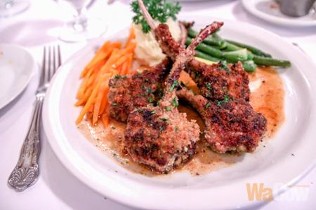 Lamb chop au jus 2