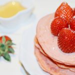 [COOK ♥ i 料理] 少女粉草莓鬆餅 Strawberry Pink Pancakes